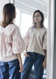 VOLUME SLEEVE GATHER BLOUSE