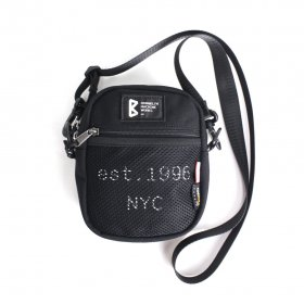 <img class='new_mark_img1' src='https://img.shop-pro.jp/img/new/icons5.gif' style='border:none;display:inline;margin:0px;padding:0px;width:auto;' />BROOKLYN MACHINE WORKS - POUCH - BLACK