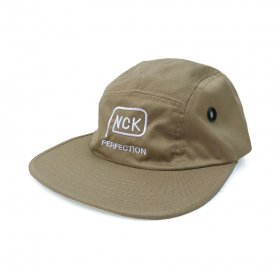 <img class='new_mark_img1' src='https://img.shop-pro.jp/img/new/icons5.gif' style='border:none;display:inline;margin:0px;padding:0px;width:auto;' />PANCAKE - PERFECTION LOGO MILITARY CAP - BEIGE