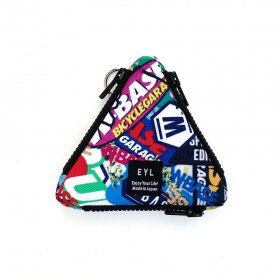 <img class='new_mark_img1' src='https://img.shop-pro.jp/img/new/icons5.gif' style='border:none;display:inline;margin:0px;padding:0px;width:auto;' />W-BASE x EYL - triangle coin purse - STICKERS
