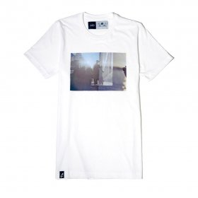 <img class='new_mark_img1' src='https://img.shop-pro.jp/img/new/icons5.gif' style='border:none;display:inline;margin:0px;padding:0px;width:auto;' />CIAO - FLARE - SHIRTS - WHITE