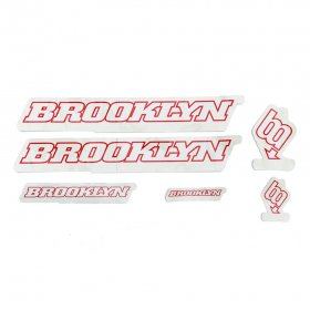 <img class='new_mark_img1' src='https://img.shop-pro.jp/img/new/icons5.gif' style='border:none;display:inline;margin:0px;padding:0px;width:auto;' />BROOKLYN MACHINE WORKS - STICKER SET - WHITE - RED
