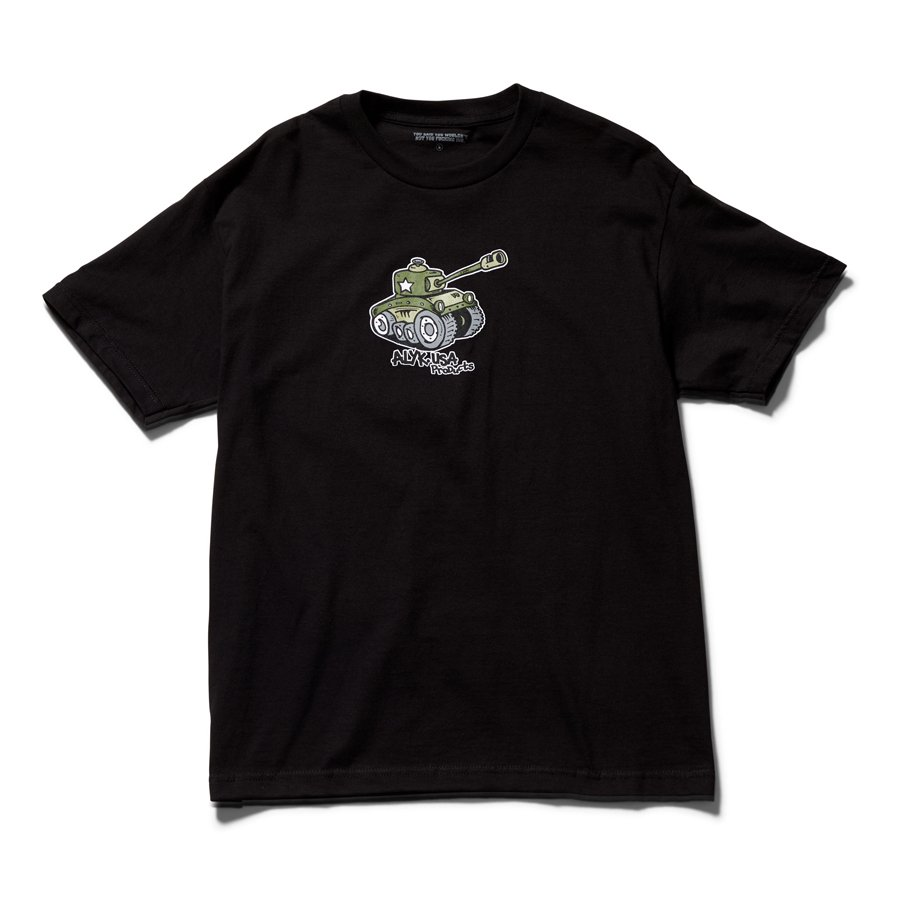 <img class='new_mark_img1' src='https://img.shop-pro.jp/img/new/icons8.gif' style='border:none;display:inline;margin:0px;padding:0px;width:auto;' />ACT LIKE YOU KNOW - WAR SHORT SLEEVE T-SHIRT / BLACK