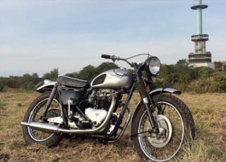 1958 T110 カスタム