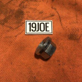 リアエンジンプレートナット 67-70年650