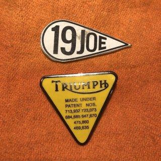 ピンバッジ Triumphパテント イエロー
