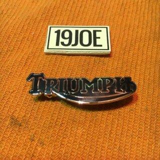 ラペルバッジ Triumphスクリプト ブラック