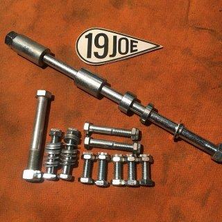 エンジンマウントボルトキット 750ツイン 73-82年