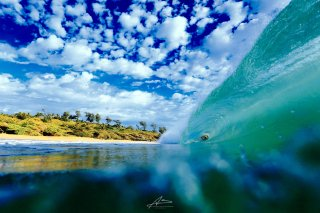 Beautiful Barrel  / Kauai Island, Hawaii