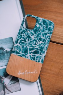 <img class='new_mark_img1' src='https://img.shop-pro.jp/img/new/icons59.gif' style='border:none;display:inline;margin:0px;padding:0px;width:auto;' />iPhone Wood Case /  Her Wave