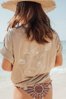 <img class='new_mark_img1' src='//img.shop-pro.jp/img/new/icons55.gif' style='border:none;display:inline;margin:0px;padding:0px;width:auto;' />【Back In Stock】Island Map Logo Tee