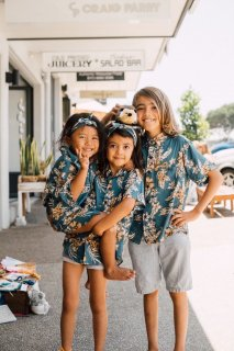 <img class='new_mark_img1' src='//img.shop-pro.jp/img/new/icons55.gif' style='border:none;display:inline;margin:0px;padding:0px;width:auto;' />【Back in Stock】Kids Aloha Shirt / Hibiscus Vintage Navy
