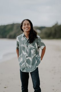 <img class='new_mark_img1' src='https://img.shop-pro.jp/img/new/icons14.gif' style='border:none;display:inline;margin:0px;padding:0px;width:auto;' />Tropical Leaf Aloha Shirt