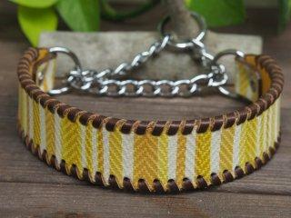 ボーダー柄のイタリア製皮革で作った首輪(イエロー系)
