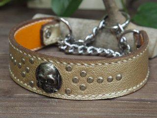 しぼありゴールドの革に白の麻糸の手縫いステッチ【プレーン】