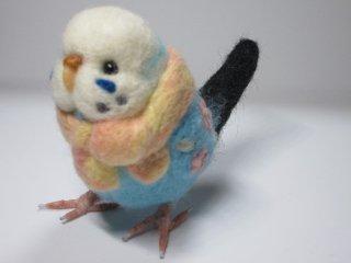 新作 羊毛フェルト 可愛いマフラーセキセイインコ 羊毛刺繍花 ゆこりん工房