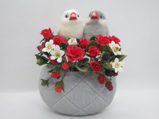 樹脂粘土薔薇苺&羊毛フェルト文鳥の華麗で可愛いオブジェ 文鳥 ゆこりん工房