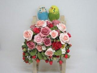 樹脂粘土薔薇苺×羊毛フェルトセキセイインコオブジェ ゆこりん工房 鳥