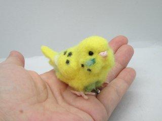 新作 ミニチュア 羊毛フェルトリアルで可愛いセキセイインコ ハルクイン黄緑 ゆこりん工房 鳥