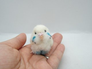 新作 ミニチュア 羊毛フェルトリアルで可愛いセキセイインコ ハルクイン水色 ゆこりん工房 鳥