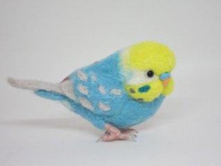 定番人気 羊毛フェルトセキセイインコ立体型ブローチピン 鳥 ゆこりん工房 イエローフェイス