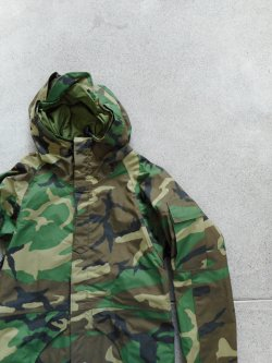US ARMY ECWCS GORE-TEX Parka 1st Dead Stock
