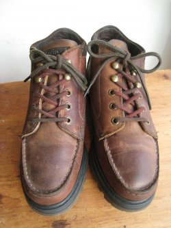 90's  EASTLAND Moccasin Boots