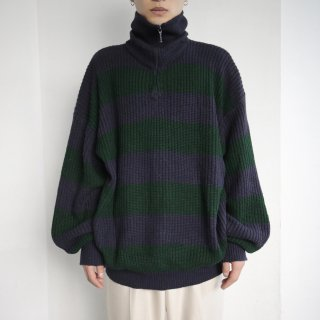 old zipped loose border sweater