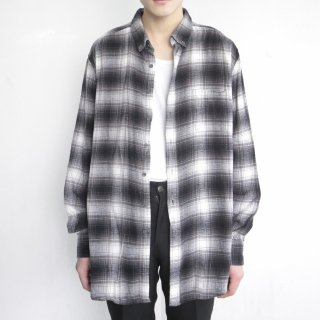 old loose omble check shirt