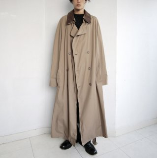 old detachable collar oversized trench coat