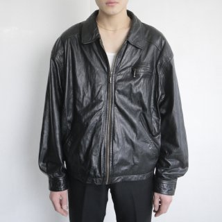 old zipped loose leather jacket