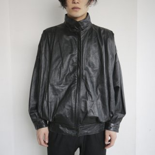 old pleats shoulder leather jacket