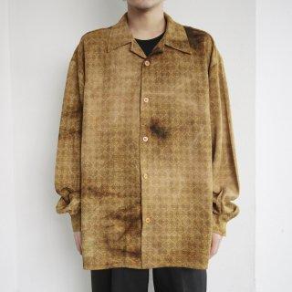 old dyeing pattern shirt