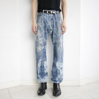 old levi's breached denim pants