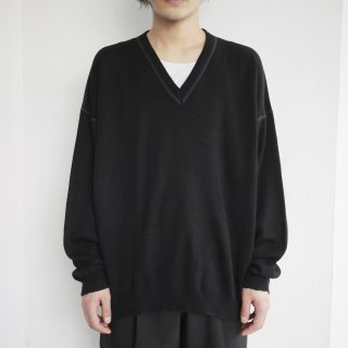 old stitched loose v sweater