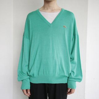old Lacoste loose v sweater