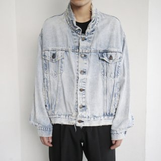 old Levi's broken trucker jacket