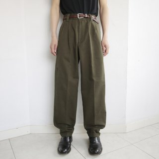 old 2tuck chino trousers
