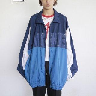 old nike loose nylon jacket