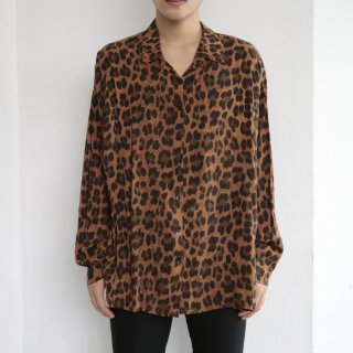 old euro leopard rayon l/s shirt