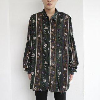 old loose flower rayon shirt