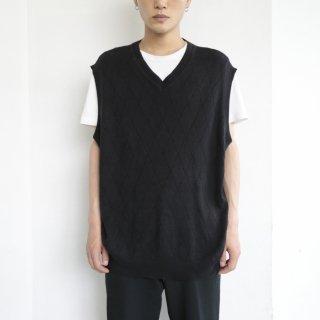 old rhombus knit vest