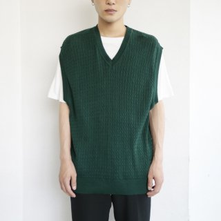 old cotton cable knit vest