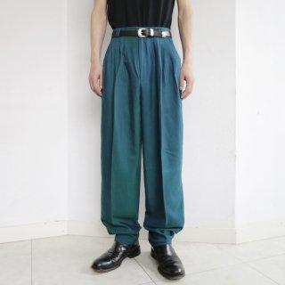 old pleats tuck iridescet slacks