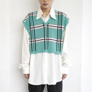 old short check knit vest