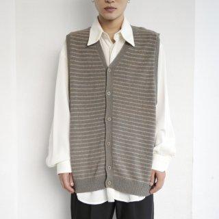 old border knit vest