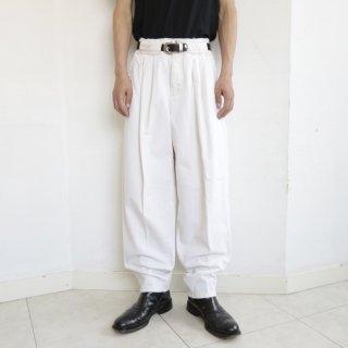 old tuck denim slacks