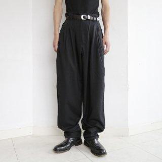 old tuck tapered slacks