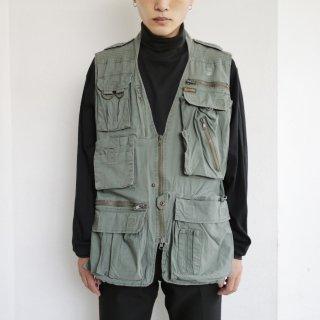 old multi pocket utility vest