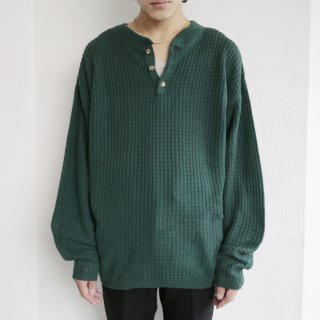old waffle cotton henrly neck sweater